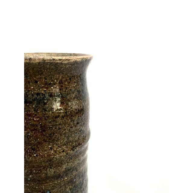 Handmade Mottled Clay Vase - Image 5 of 6