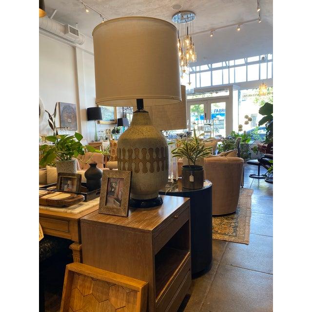 Ceramic American Mid-Century Modern Ceramic Lamps - Pair For Sale - Image 7 of 8