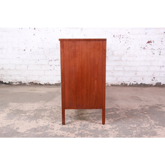 Paul McCobb for Calvin Linear Group Walnut Sideboard Credenza For Sale - Image 10 of 12