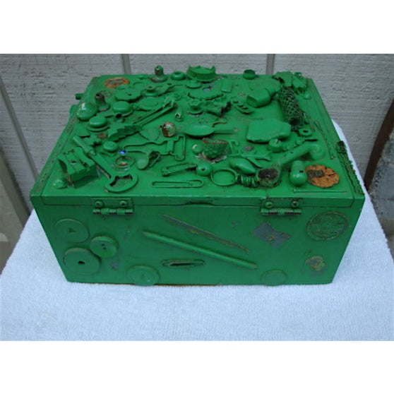 Folk Art Vintage Green Cigar Memory Box With Trinkets For Sale - Image 3 of 4