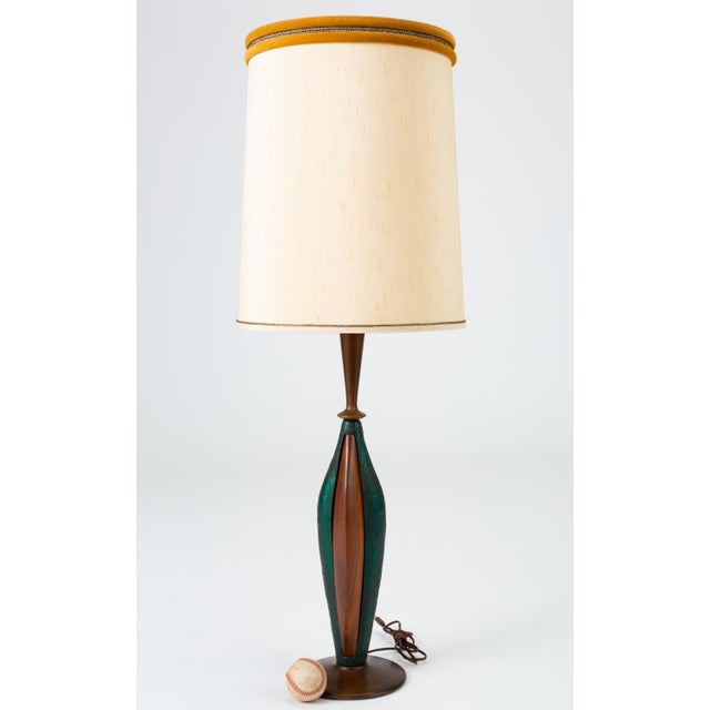 Mid-Century Modern Tall Table Lamps in Walnut and Resin by Moderna - a Pair For Sale - Image 3 of 13