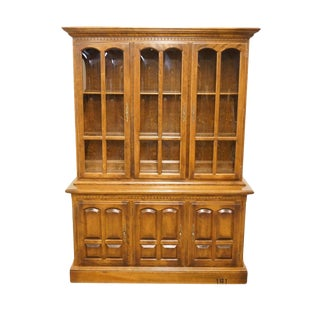 Late 20th Century Vintage Ethan Allen Classic Manor Buffet China Cabinet For Sale