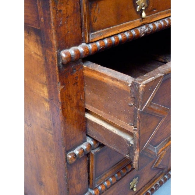 17th Century English Moulded Chest of Drawers For Sale In Washington DC - Image 6 of 8