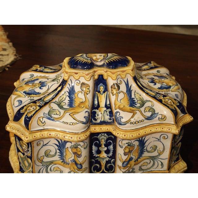 19th Century Italian Renaissance Style Majolica Box For Sale In Dallas - Image 6 of 12