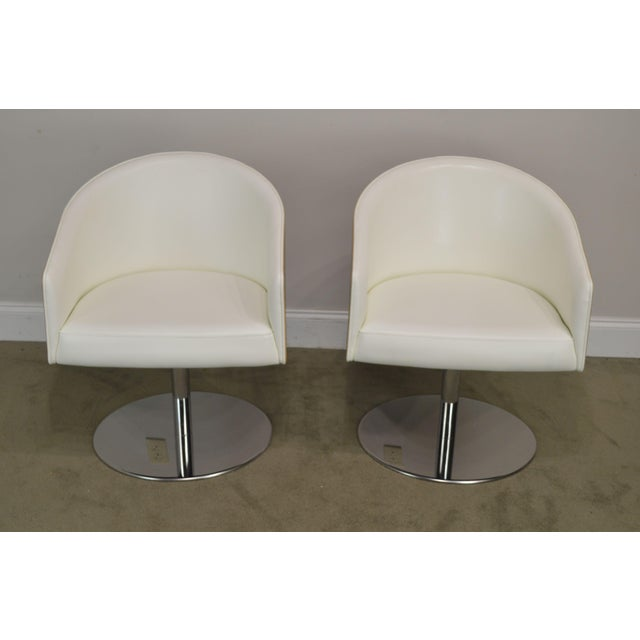 Traditional White Leather & Zebra Wood Barrel Back Pair Chrome Pedestal Swivel Lounge Chairs by Cape (B) For Sale - Image 3 of 13