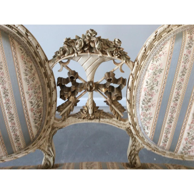 Early 19th Century Early 19th Century Louis XVI Giltwood Silk Upholstered Settee - Impeccable Condition For Sale - Image 5 of 7