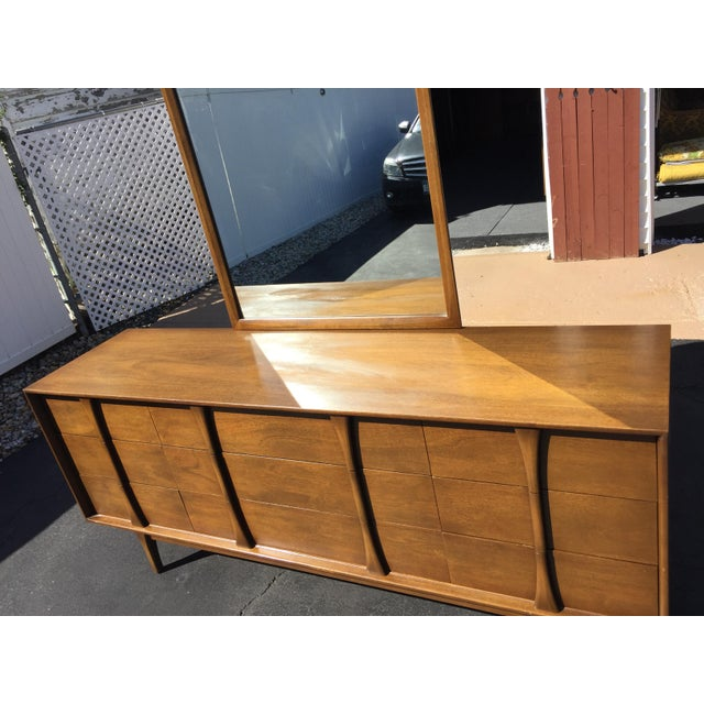 Mid-Century Modern Red Lion Co Mid-Century Dresser & Mirror For Sale - Image 3 of 9