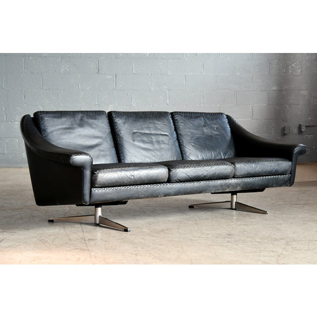 Danish Airport Style Sofa Model Matador in Black Leather by Eran in 1966 For Sale In New York - Image 6 of 13