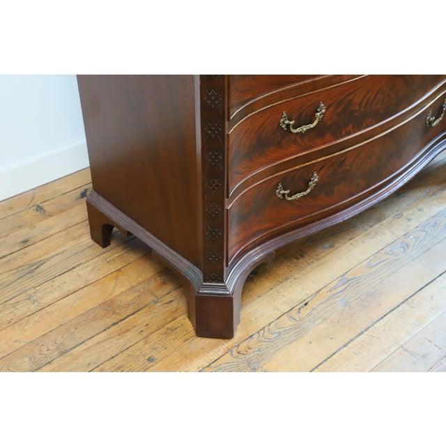 Early 20th Century Early 20th Century John Stuart Serpentine Front Bachelor's Chest From Waldorf Astoria For Sale - Image 5 of 9
