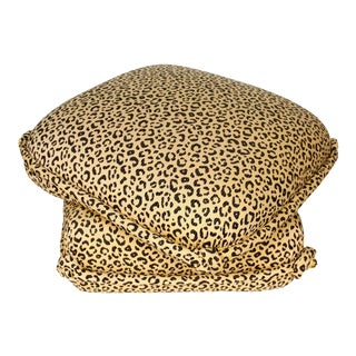 Leopard Turkish Ottoman with Knotted Corners For Sale