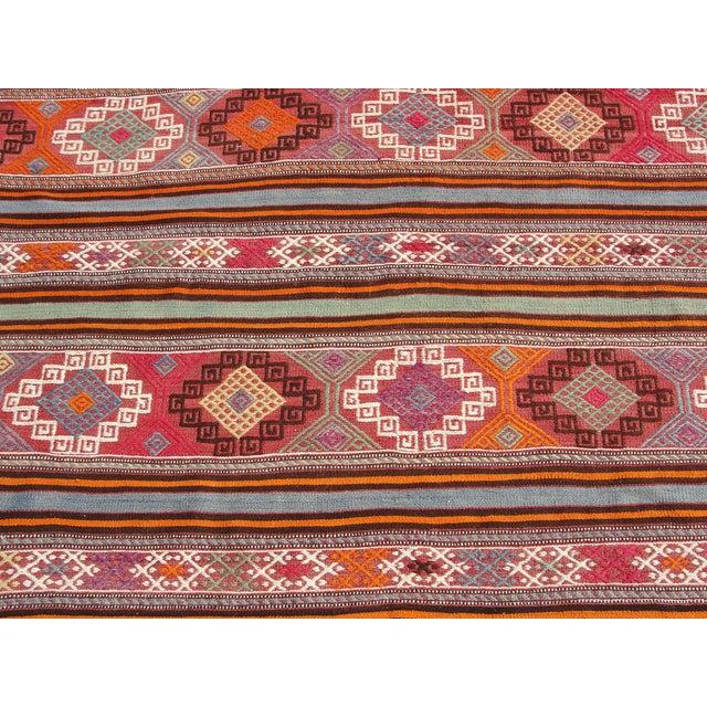 "Vintage Turkish Kilim Rug - 5'5"" x 8'7"" For Sale - Image 10 of 11"