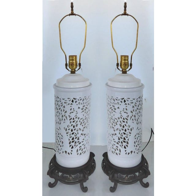 Asian Mid-20th Century Asian Table Lamps in Porcelain on Wood Bases - A Pair For Sale - Image 3 of 7
