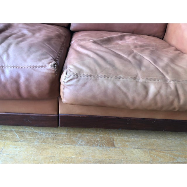 Brown Mid Century Modern Tobia and Afra Scarpa for Gavina 920 Italian Leather Rosewood Sofas - a Pair For Sale - Image 8 of 12