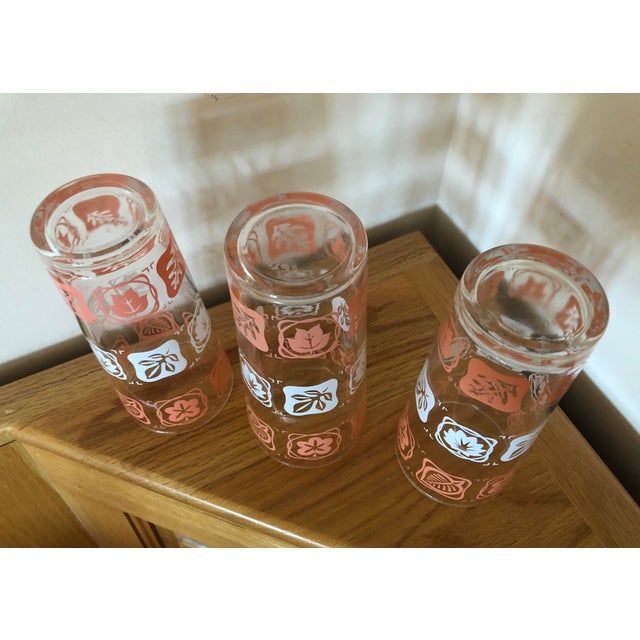 Mid 20th Century Mid-Century Vintage Pink and White Leaf Motif Glasses - Set of 3 For Sale - Image 5 of 7