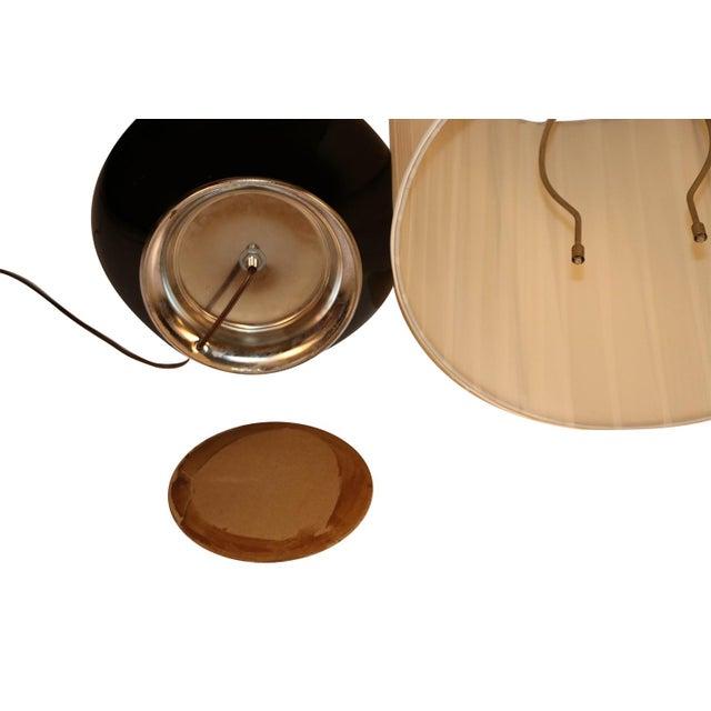 Black Mid Century Hollywood Regency Black Ceramic Chrome Table Lamp For Sale - Image 8 of 10