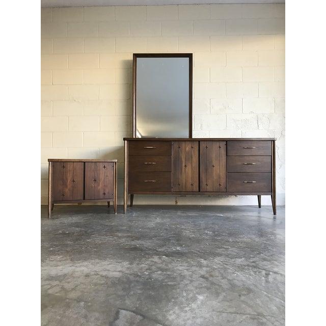 1960s Mid Century Modern Atomic Broyhill Saga Dresser For Sale - Image 9 of 10