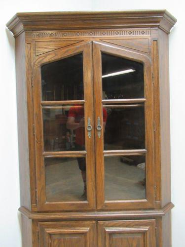 Ethan Allen Ethan Allen Royal Charter Jacobean Oak Corner Cabinet Hutch  Display Curio For Sale