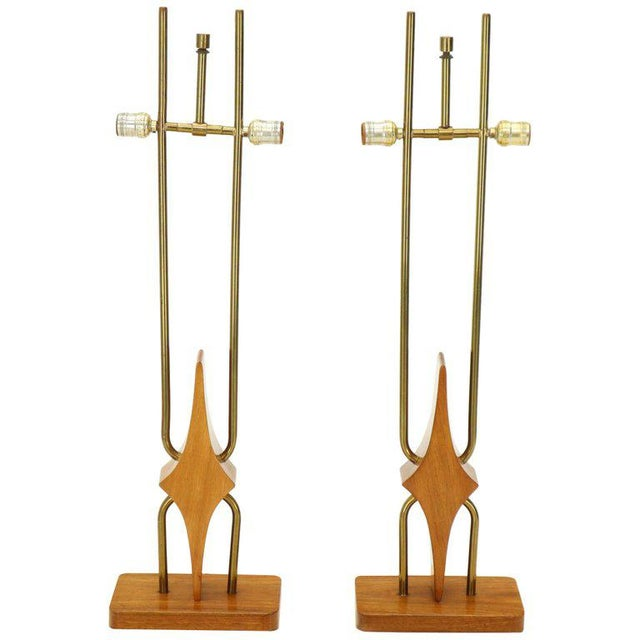 Gold Pair of Walnut and Brass Diamond Pattern Table Lamps For Sale - Image 8 of 13