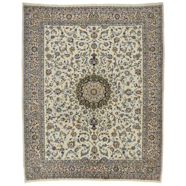 Vintage Persian Najafabad Rug With Light Colors - 9′9″ × 12′2″ For Sale In Dallas - Image 6 of 6