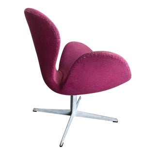 Arne Jacobsen Swan Chair by Fritz Hansen Denmark For Sale