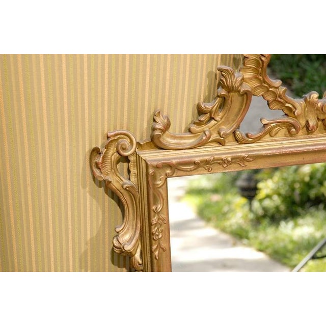 Hollywood Regency Italian Hand-Carved Rococo Gilt Mirror For Sale - Image 3 of 6