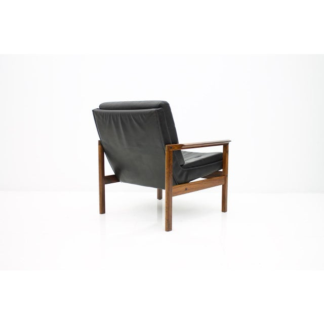 Scandinavian Easy Chair in Rosewood and Black Leather, 1960s For Sale - Image 4 of 6