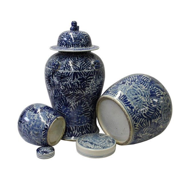 Chinese Set of 3 Blue White Abstract Flower Temple Ginger Jars For Sale - Image 4 of 5