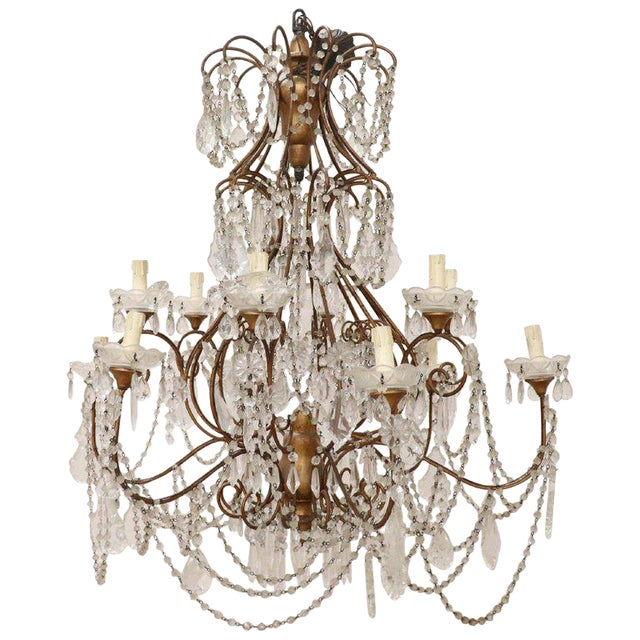 20th Century Louis XVI Style Gilded Bronze and Crystals Large Luxury Chandelier For Sale