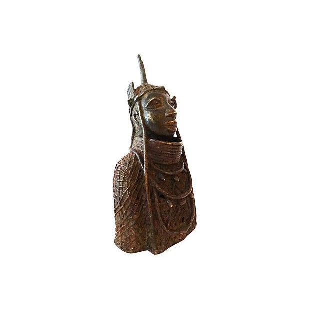 Oba Nigeria Benin Bronze Figure For Sale - Image 5 of 7