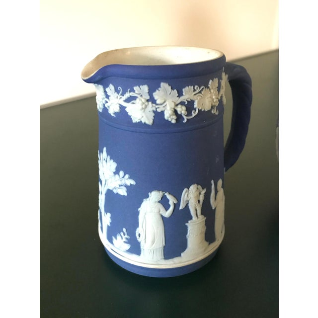 English Traditional Neoclassical Wedgwood Jasperware Cream & Sugar Containers - 2 Pieces For Sale - Image 3 of 13