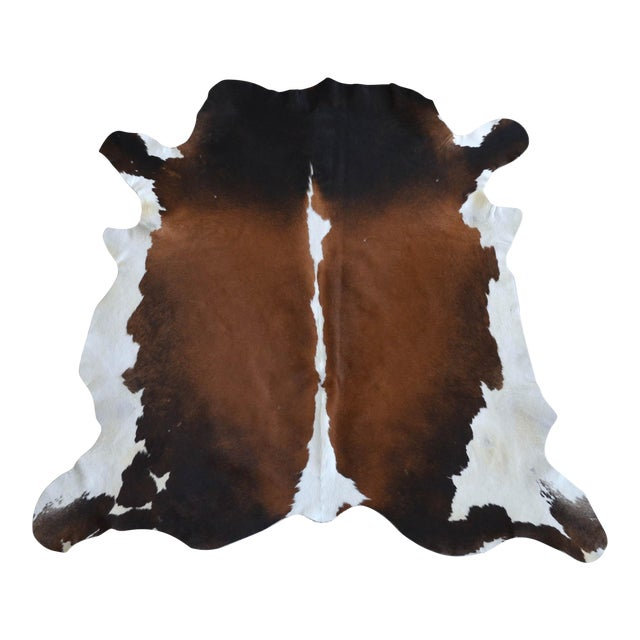 """CowHide Rug Brown White Natural Cow Hide Rug - 4'3"""" X 4'3"""" For Sale"""