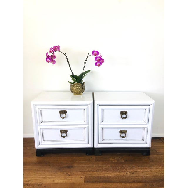 Vintage Hollywood Regency White Mid Century Nightstands or Side Tables, Pair For Sale - Image 9 of 12
