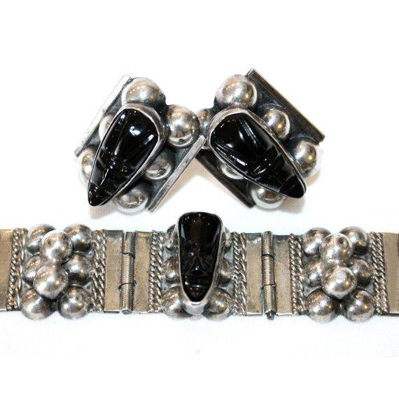Sterling and Onyx Mask Bracelet and Earring Set, C.1940's For Sale - Image 4 of 5