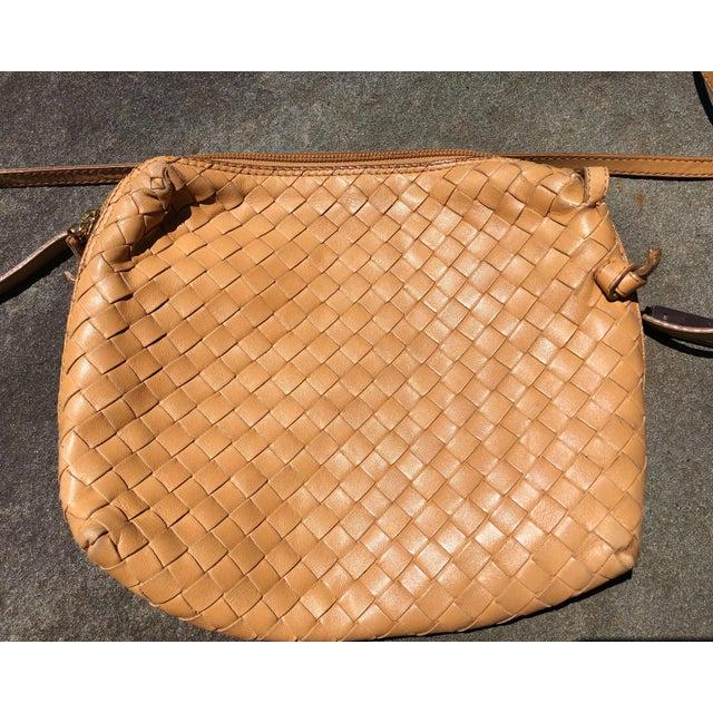 Bottega Veneta Bottega Veneta Intrecciato Tan Cross Body Bag For Sale - Image 4 of 10