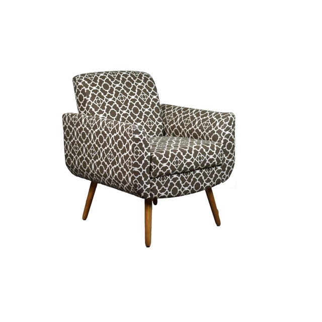 Turin Armchair is a very comfortable vintage armchair for the floral version and trendy for the silky brown and saigon...