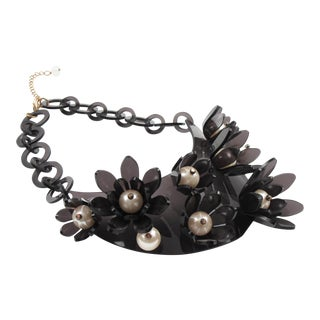 Transparent Gray Lucite Flowers and Pearl Bib Necklace For Sale