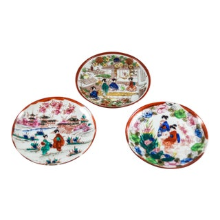 1930's Japanese Kutani Geisha Ware Porcelain Plates - Set of 3 For Sale