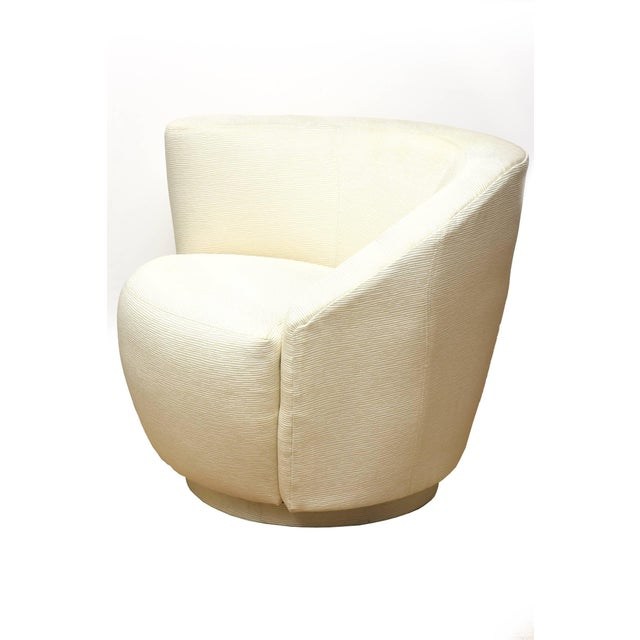 "Modern 1970s Vintage Vladimir Kagan"" Nautilus"" Swivel Lounge Chairs- A Pair For Sale - Image 3 of 11"