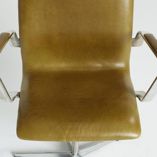 Arne Jacobsen Leather Oxford Chair - Image 10 of 11