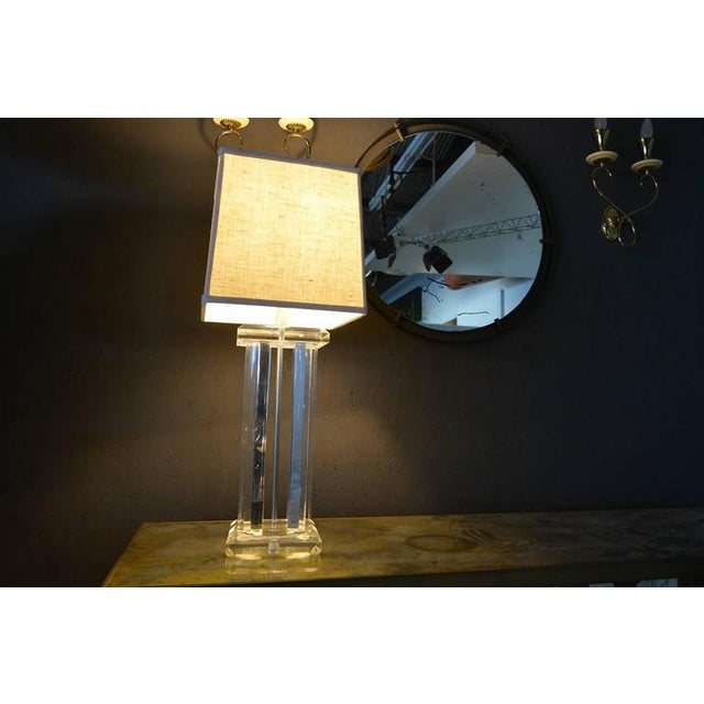Transparent Hollywood Regency Lucite Table Lamp For Sale - Image 8 of 9