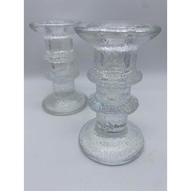 "Transparent Mid Century Timo Sarpaneva for Iittalia Glass ""Festivo"" Candlestick Holders - Pair For Sale - Image 8 of 8"