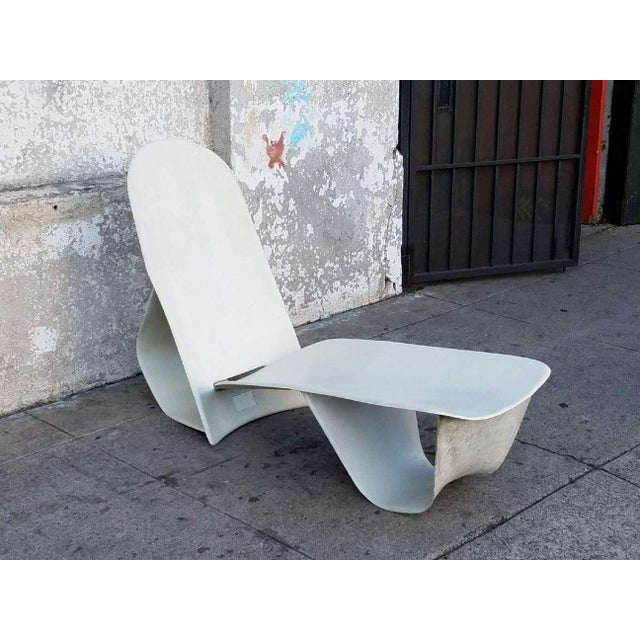 Contemporary 1971 Fiberglass Lounge Chair by Po Shun Leong Shown at Lacma For Sale - Image 3 of 6