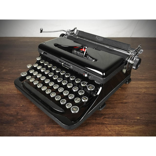 Black Refurbished 1930s Vintage Royal Glossy Black Model O (Model A) Portable Typewriter For Sale - Image 8 of 8