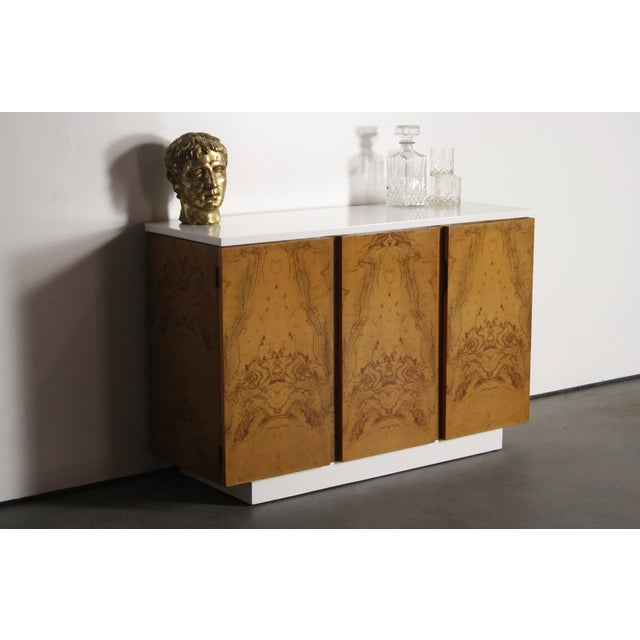 Milo Baughman Burl Wood 2-Tone Credenza Buffet For Sale - Image 5 of 11