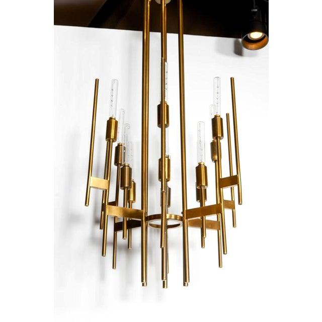 Art Deco Mid Century Modern Brass 12-Lights Chandelier by Gaetano Sciolari, 1960s For Sale - Image 3 of 6