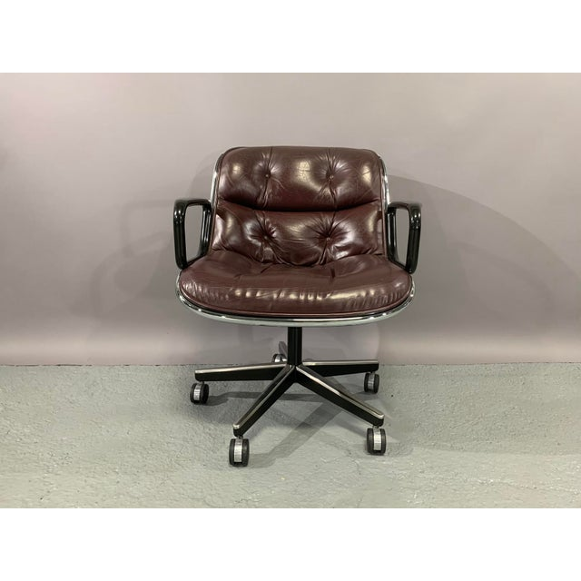 1960s 1960s Vintage Charles Pollock for Knoll International Leather Executive Chairs- A Pair For Sale - Image 5 of 13