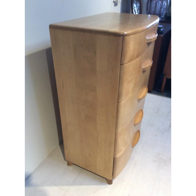 Champagne 1940s Heywood Wakefield Mid-Century Modern Crescendo Highboy Dresser For Sale - Image 8 of 10