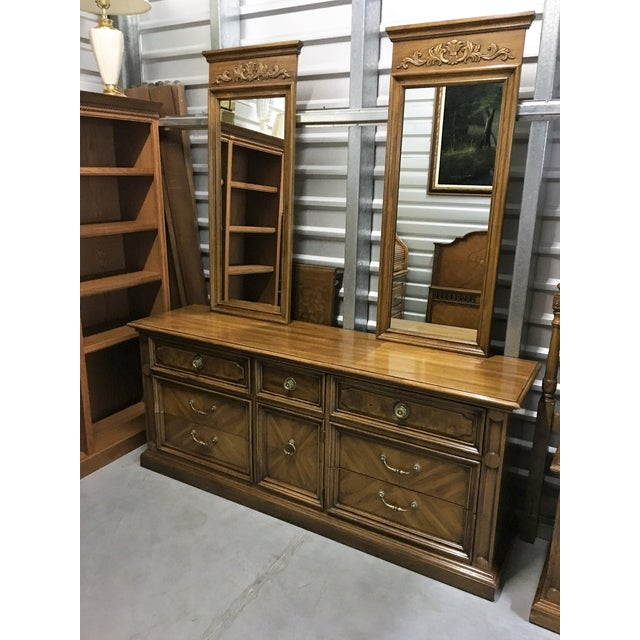 Vintage Thomasville Dresser with Wall Mirrors - Image 8 of 9