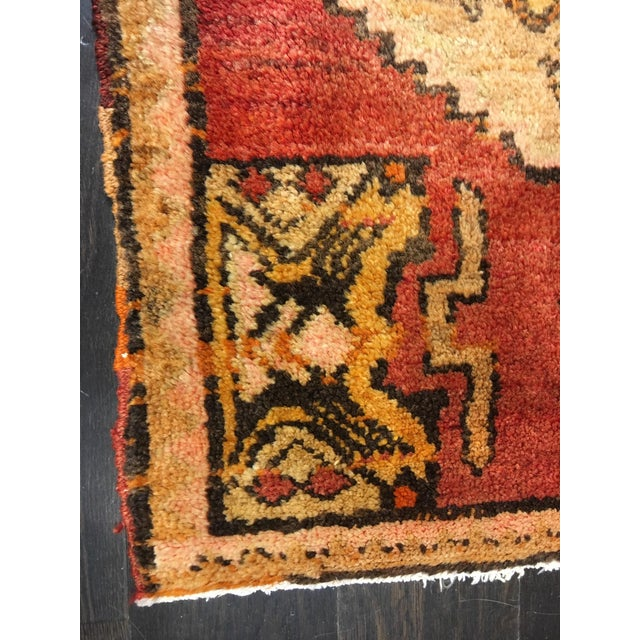 """Small Welcome Mat Size Vintage Turkish Anatolian Rug - 1'10""""x2'8"""" - Image 5 of 6"""