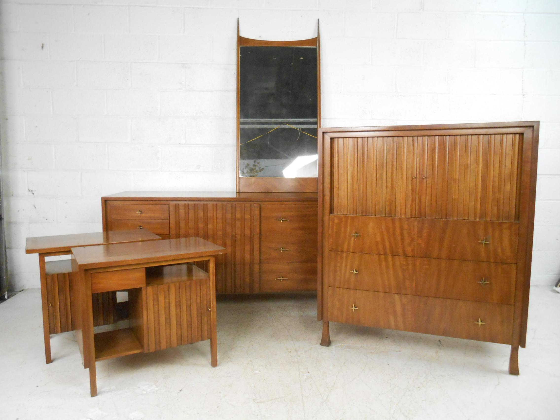 Mid Century Modern Bedroom Set By John Widdicomb   Set Of 5 For Sale